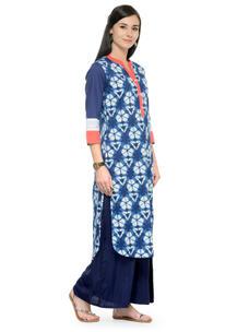 Varanga Blue and White Printed 3/4 Sleeves Straight Kurta