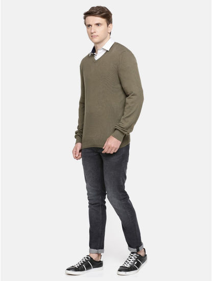 Olive Solid Straight Fit Sweater