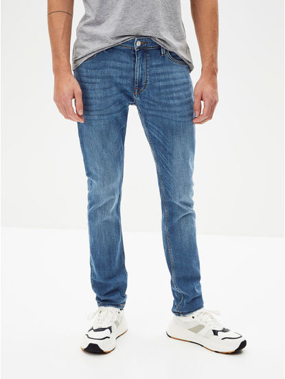 Blue Solid Water Repellent Slim Fit Jeans