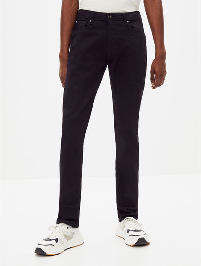 Stay Dark Black Solid Slim Fit Jeans
