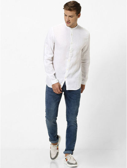 White Solid Regular Fit Casual Shirt