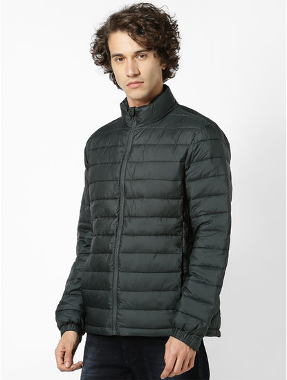 Light water-repellent padded jacket with high collar
