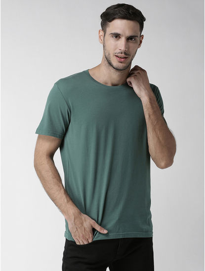 Green Solid Straight Fit T-Shirt