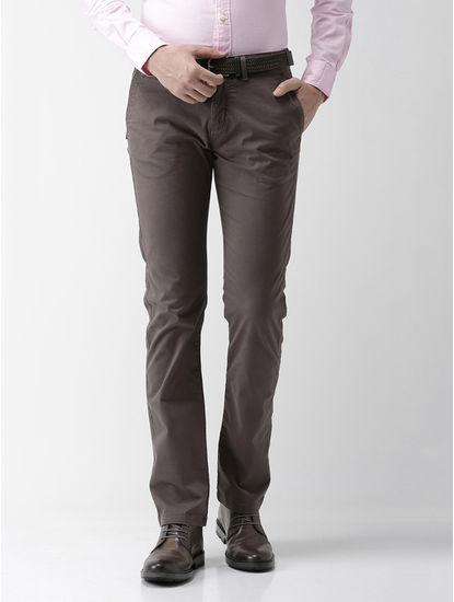 Brown Solid Straight Fit Chinos