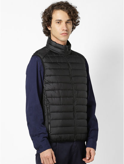 Black Regular Fit Sleeveless Bomber Jacket