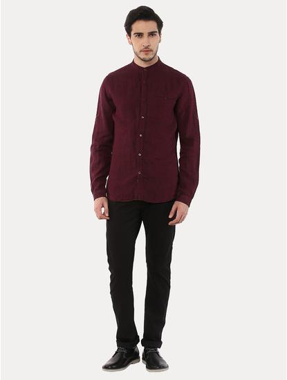 Gamao Maroon Solid Casual Shirt