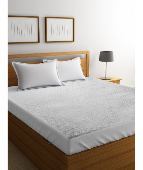 White Mattress Protector (Double Size - 152 X 198 cms + 36 cms drop, Elasticated, Water Resistant, Anti Bacterial & Anti Dust Mite) - Portico New York
