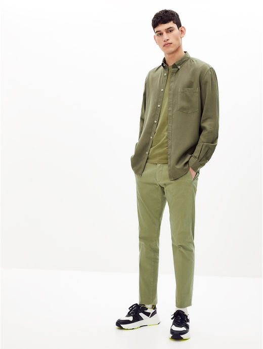 Olive Solid Regular Fit Casual Shirt