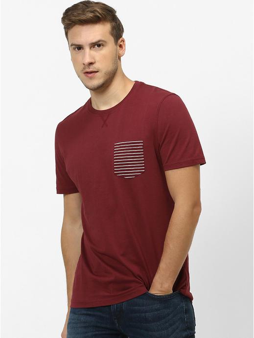Men Burgundy Solid Round Neck T-shirt
